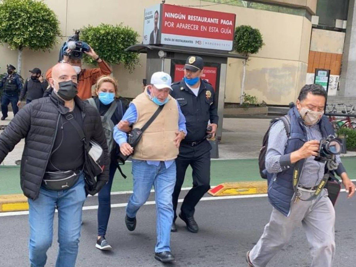 Líder de Frenaa los deja plantados en avenida Juárez