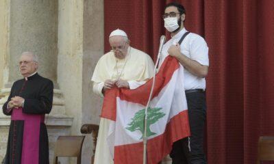 Papa llama a día de oración tras un mes de la explosión en Líbano