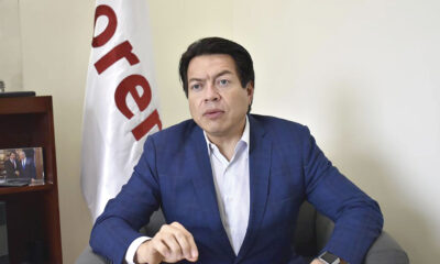 'El Cantinflas' Mario Delgado usa a AMLO en millonarios espectaculares, critica Muñoz Ledo