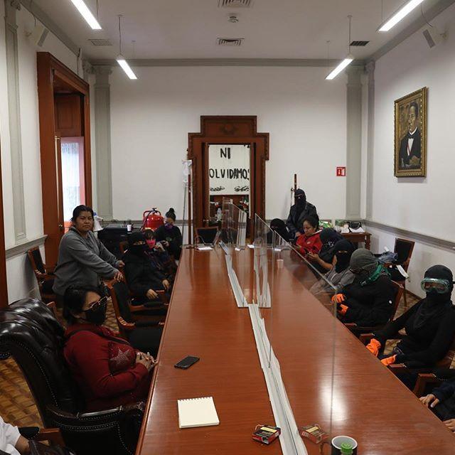 Mujeres toman la CNDH