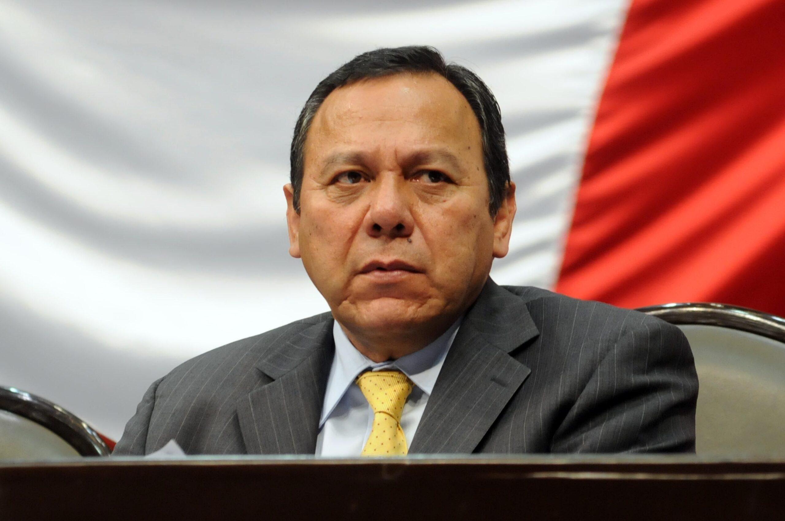 """Presidente del PRD dice que AMLO miente en eso de """"primero los pobres"""""""