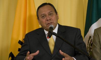 Jesús Zambrano, presidente del PRD, da positivo a Covid-19