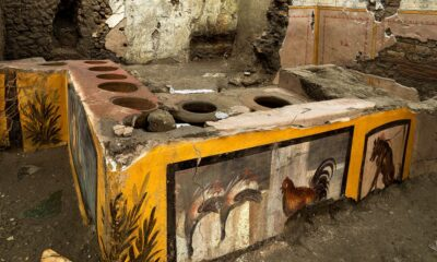 Arqueólogos hallan en Pompeya expendio de comida rápida de la antigua Roma