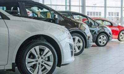 Ventas de automóviles ligeros cayeron 19.4% en diciembre: Inegi