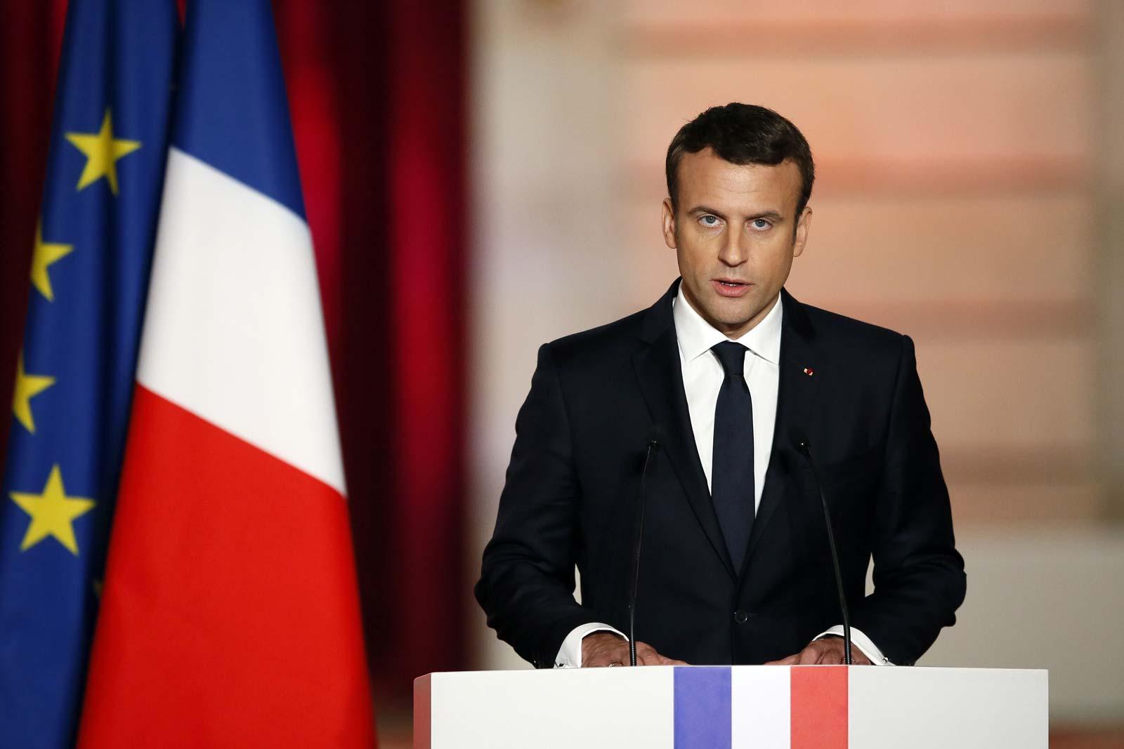 Exige Francia pruebas de detección Covid a viajeros por vía aérea