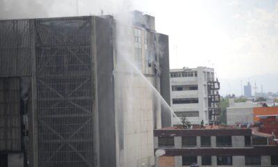 Fiscalía investiga como homicidio culposo incendio en edificio del Metro