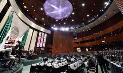 Morena, PES y PT batean 412 reservas y aprueban en lo particular reforma eléctrica de AMLO