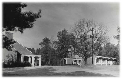 img_dayschool_building_1966