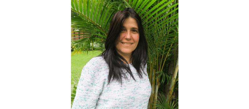 Tina Oliveira.