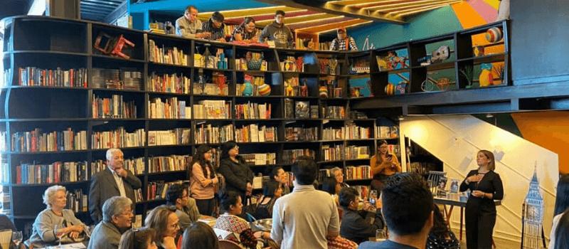 Bautizo de libro en Kitapenas Books & Bistro