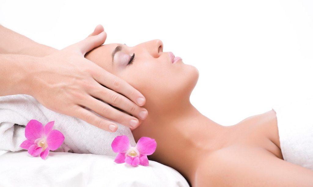 Massage with Flower