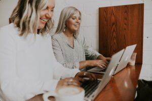 women focused on working