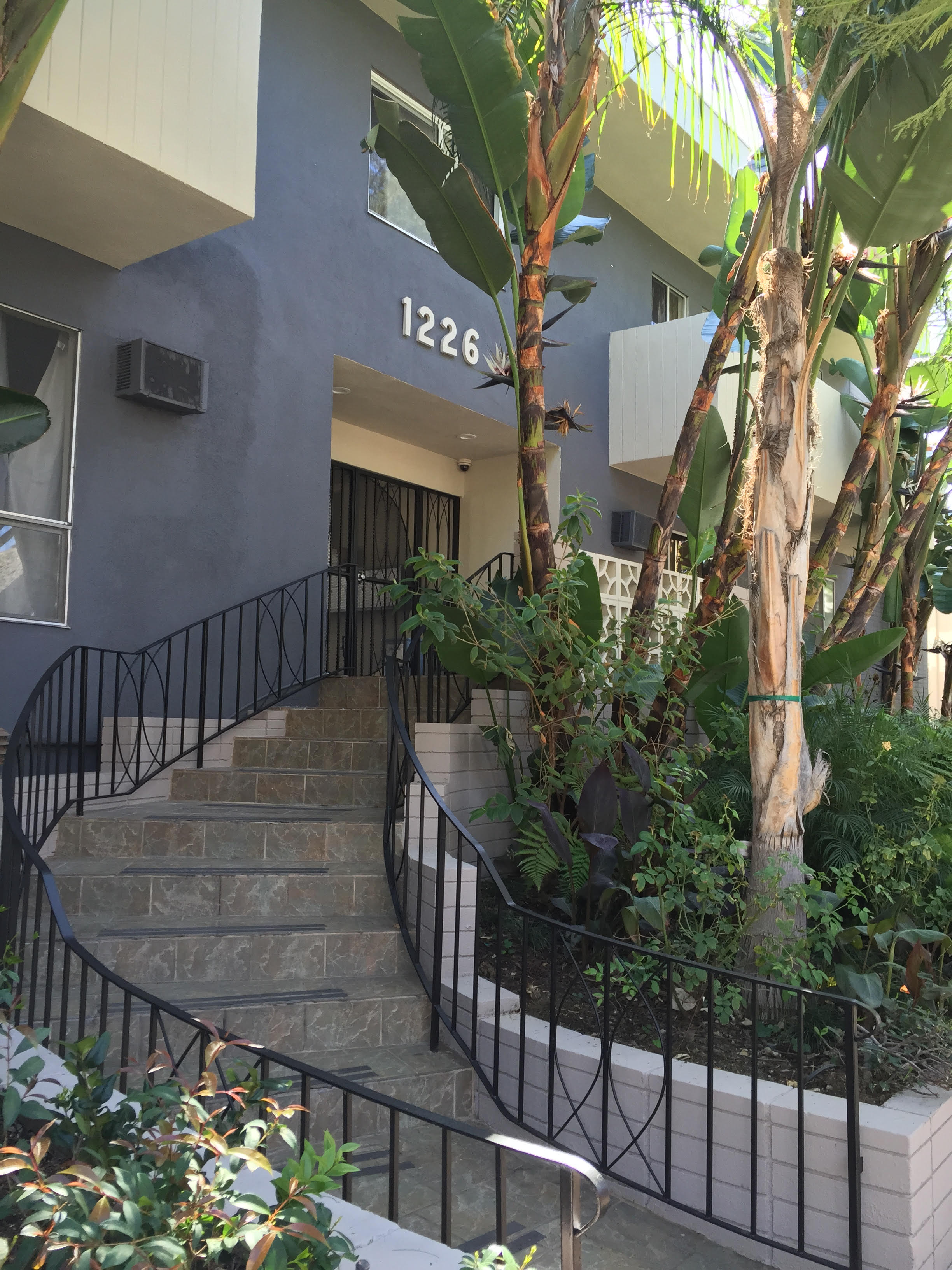 1226 N Fuller Ave., West Hollywood, CA 90046