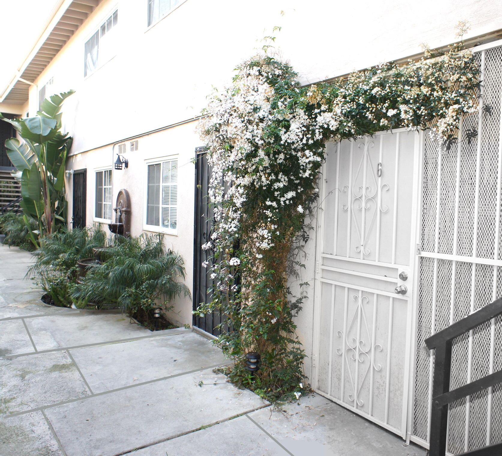 3638 Midvale Ave., Los Angeles, CA 90034