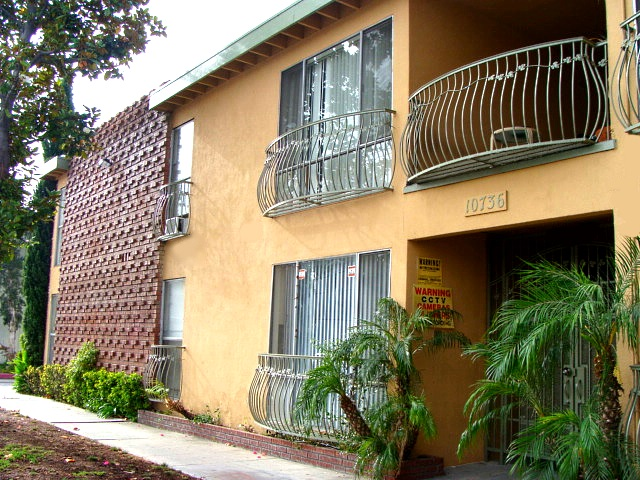 10736 Magnolia Blvd., North Hollywood, CA 91601