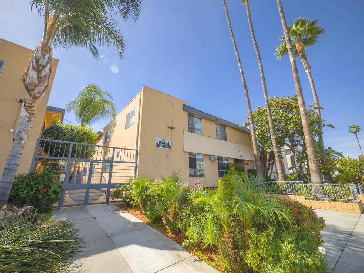 1963 S. Bedford St., Los Angeles, CA 90034