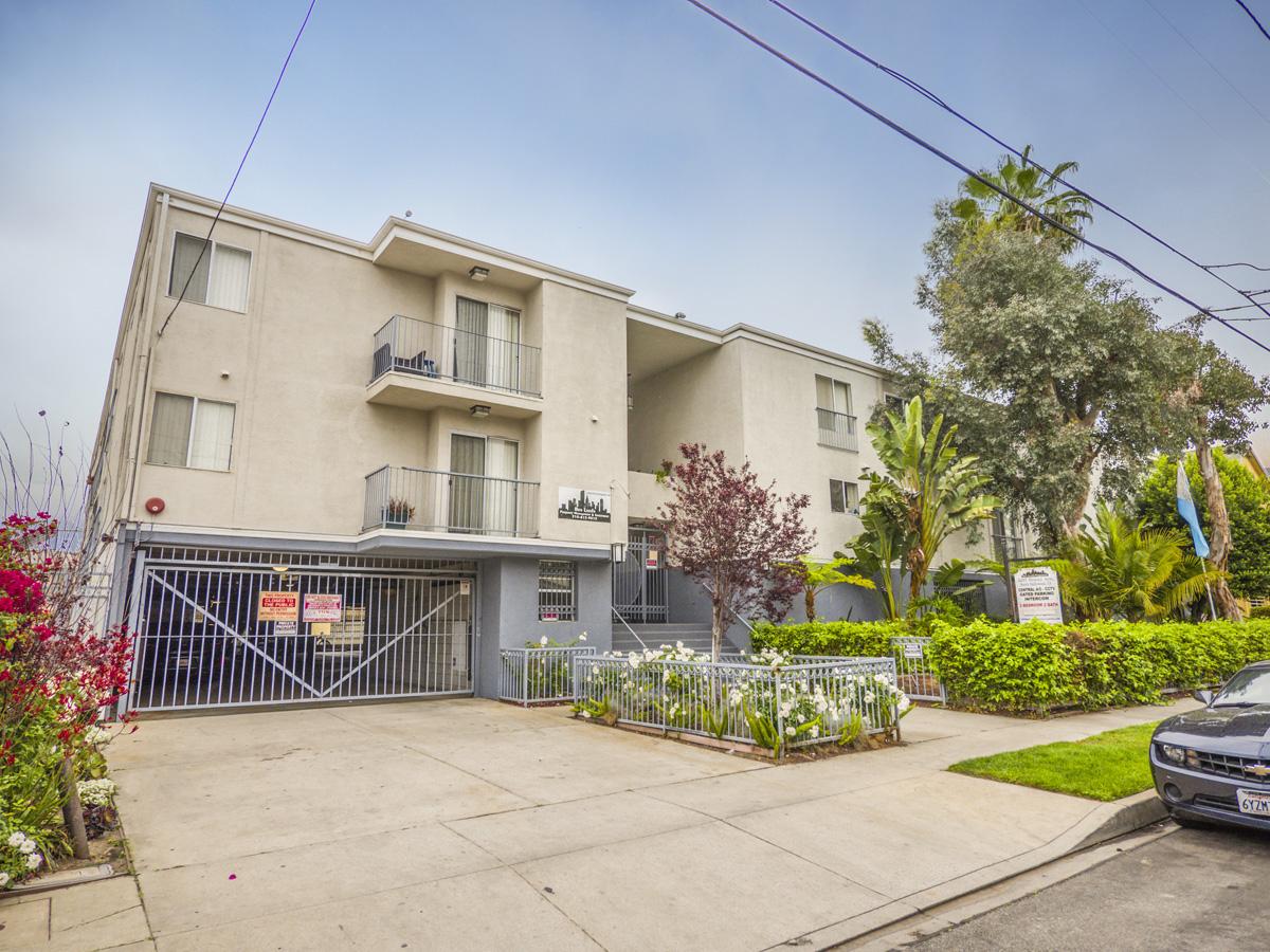 5317 Denny Ave., North Hollywood, CA 91601