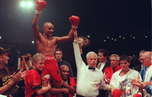 4 FEB 1995: STEVE ROBINSON OF GREAT BRITAIN CELEBRATES ON THE SHOULDERS OF HIS TEAM AS HE IS PROCLAIMED THE WINNER AFTER BEATING DOMINGO DAMIGELLA OF ARGENTINA IN THEIR WBO FEATHERWEIGHT TITLE FIGHT IN CARDIFF. ROBINSON RETAINED HIS TITLE WITH A UNANIMOUS POINTS VICTORY OVER DAMIGELLA AFTER 12 ROUNDS. Mandatory Credit: John Gichigi/ALLSPORT