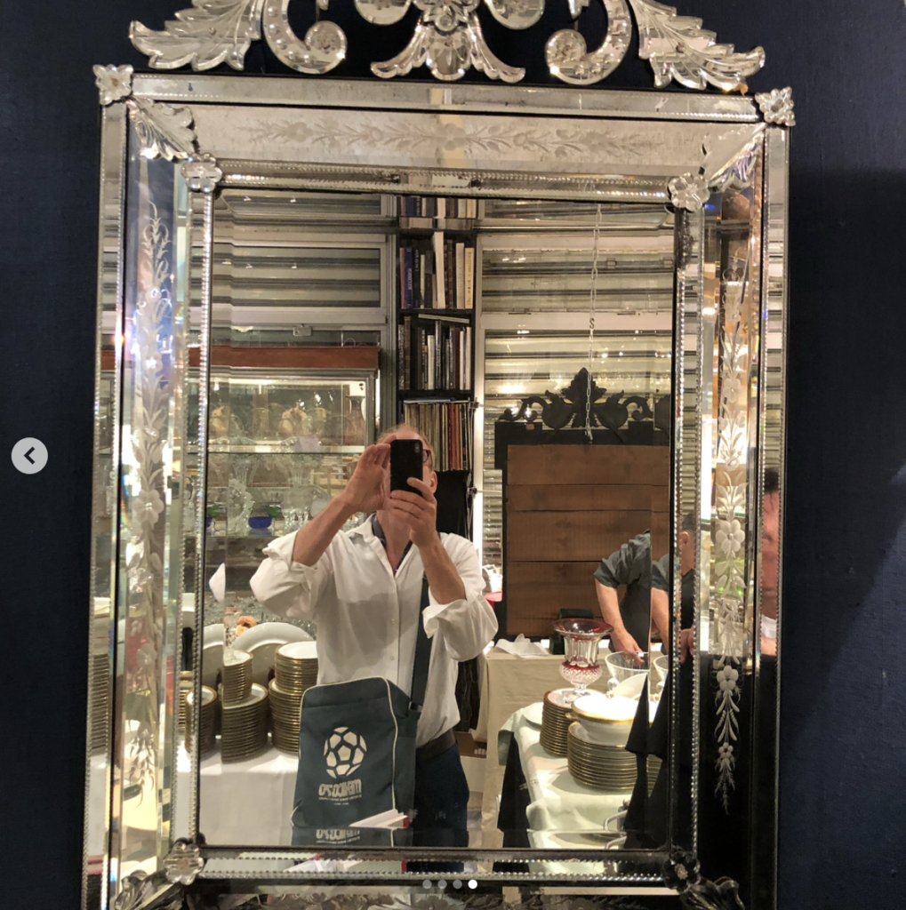 Paris, Marché aux Puces. Always love going to my antique dealers to get one of a kind pieces for my clients. One can't go wrong with antique Venetian mirrors & chandeliers, or great French mid century.