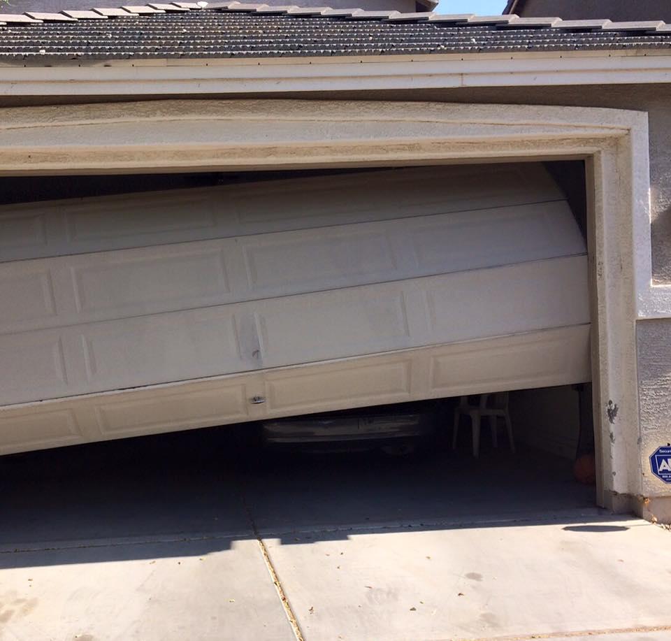 broken-garage-door-havasu