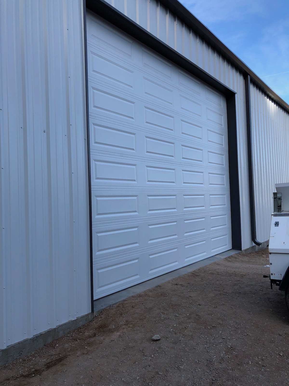 white_commercial_roll_up_door_scottsdale