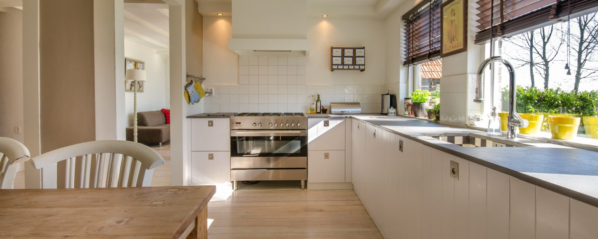 a professionally cleaned kitchen