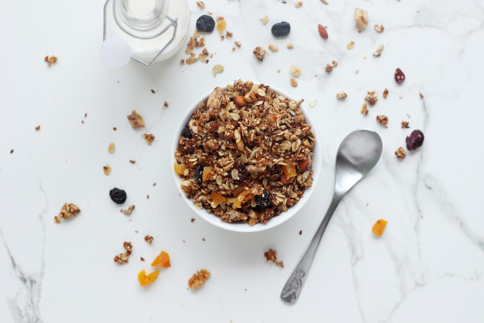 Granola, desayuno, nutricion, desayuno nutritivo, alimentos, comidas saludables.