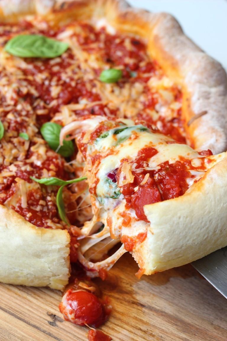 deep dish pizza, pizza estilo chicago, stuffed pizza, masa para pizza, salsa para pizza