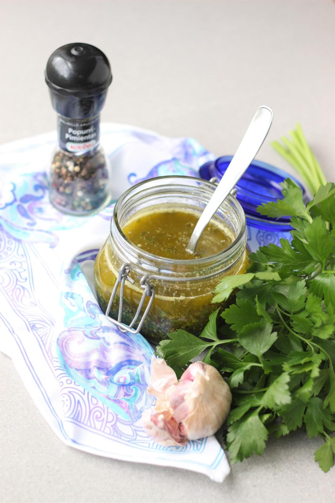 salsa chimichurri, como hacer chimichurri, receta de chimichurri, recetas de cocina, argentina, uruguay, recetas para asado, kotanyi.
