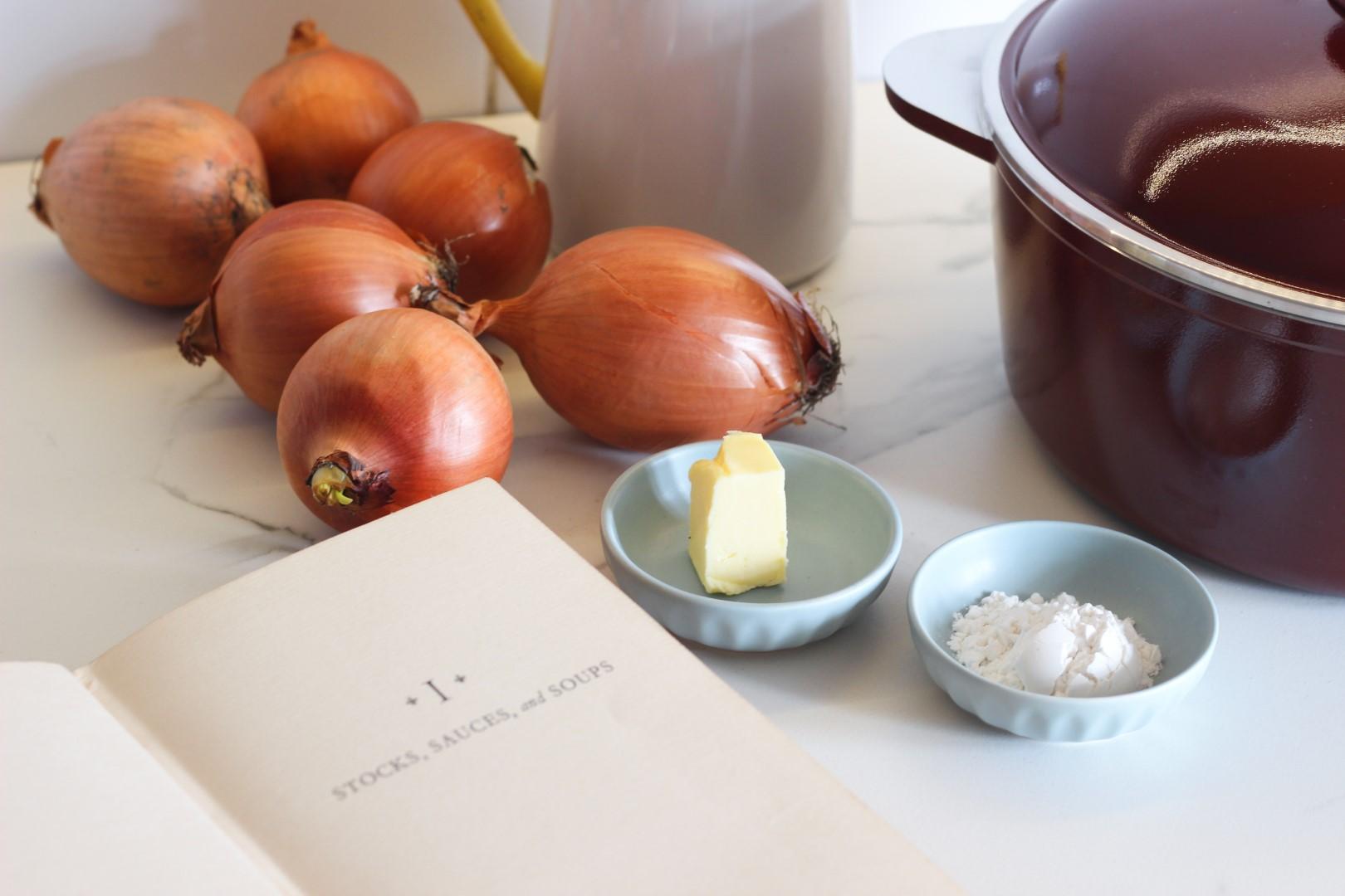 sopa de cebollas, soupe a loignon, recetas de cocina, invierno, recetas faciles, essen, cacerola essen, cocina francesa,