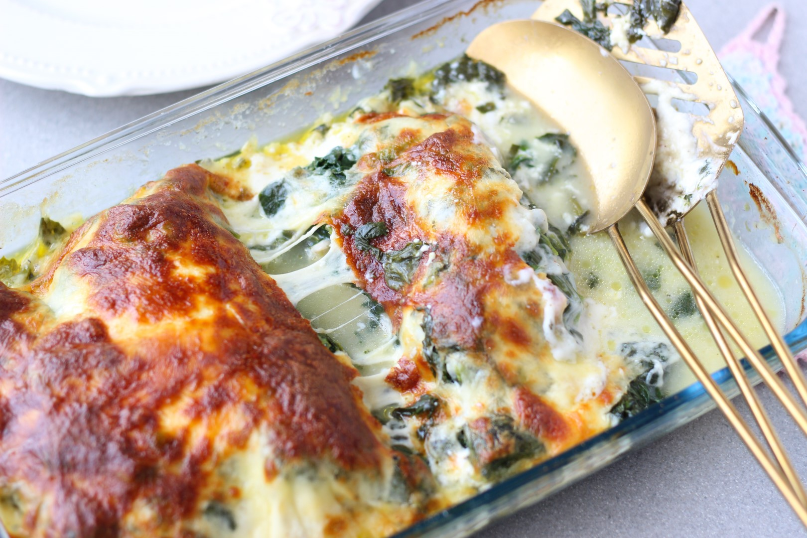 pollo al horno con espinaca, queso crema y muzzarella gratinada, recetas de cocina, cocina fácil, casancrem.