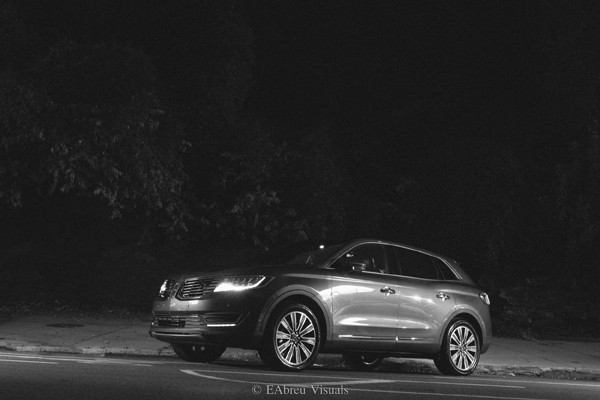 2016 Lincoln MKX - Black And White - Park