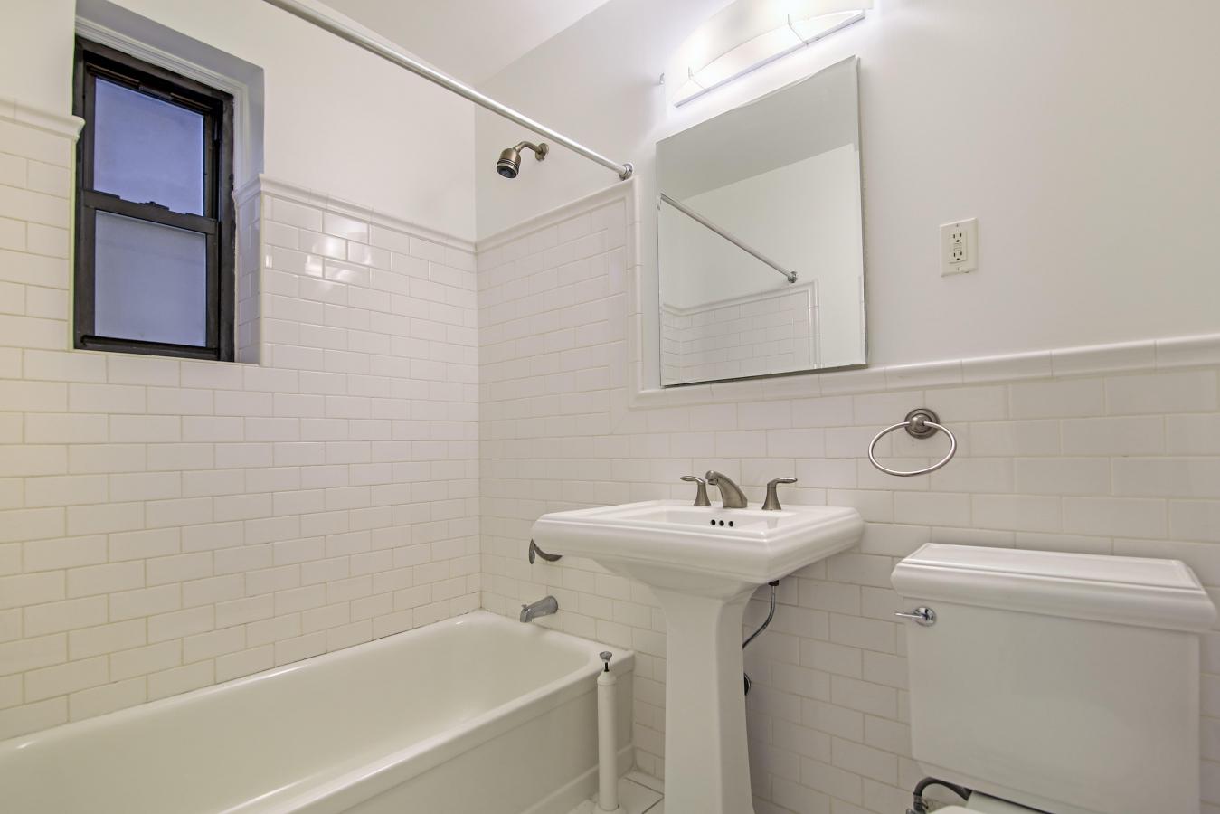 1 Bedroom Bedrooms, ,1 BathroomBathrooms,Apartment,For Rent,1018