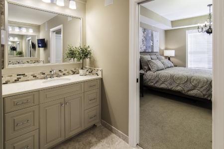 12-master-bathroom