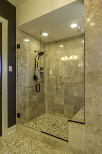 16 Master Bathroom