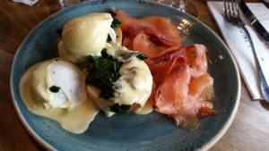 Eggs Benedict at Dillinger's