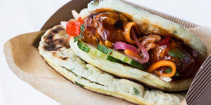 Comfort-Food-Indian-Hakka-Ball-Naan