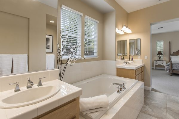 Sonoma Spa Bath