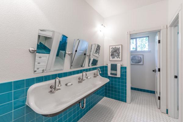 Photo-042718-Bathroom 01-001