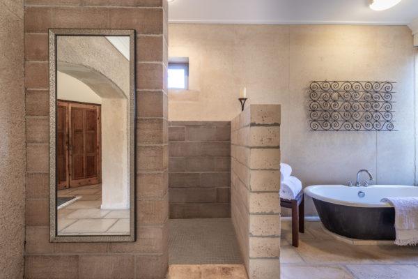 Photo-091318-Master Bathroom-003