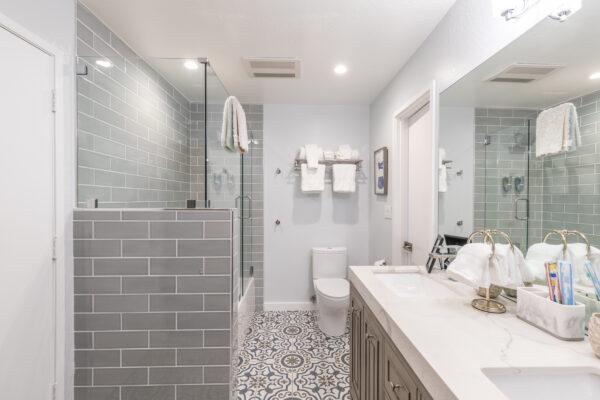 Photo-012320-Bathroom 02-001