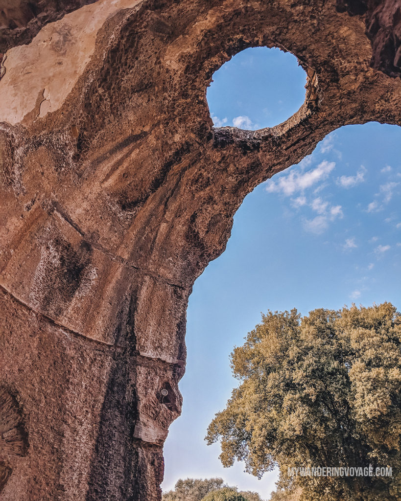 Villa Adriana thermal baths roof | Visit UNESCO World Heritage Sites Villa Adriana and Villa d'Este in a day trip to Tivoli, Italy, a mountainside town about 30 kilometres from Rome. | My Wandering Voyage travel blog #rome #italy #travel #UNESCO