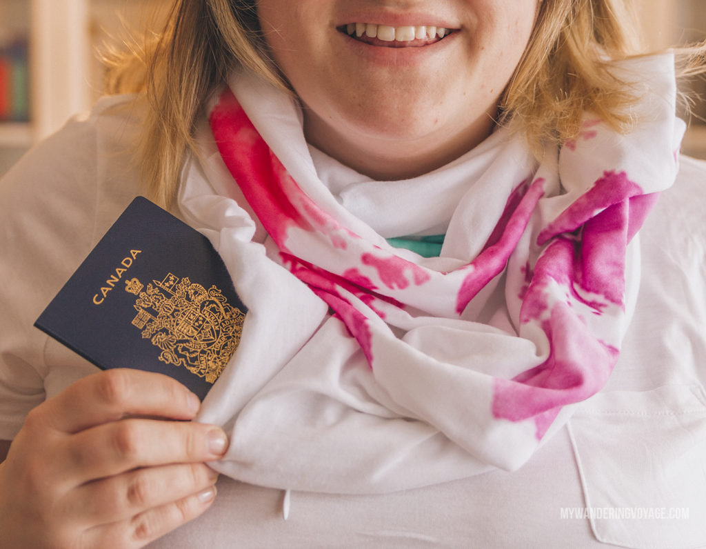 Waypoint hidden pocket travel scarf | In Canada, summer temperatures range from coast to coast to coast. It can be hard to know what to pack for Canada in summer. This guide will help. #packingguide #packinglist #summertravel #travel #Canada