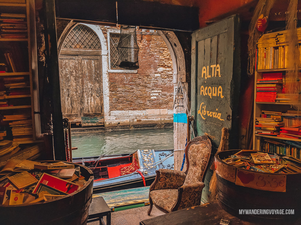 Libreria Acqua Alta in Venice | With the powerful device in your pocket you can take incredible photos of your travels. Here is the ultimate guide to smartphone travel photography. | My Wandering Voyage travel blog #travel #photography #tips #travelphotography #smartphonephotography