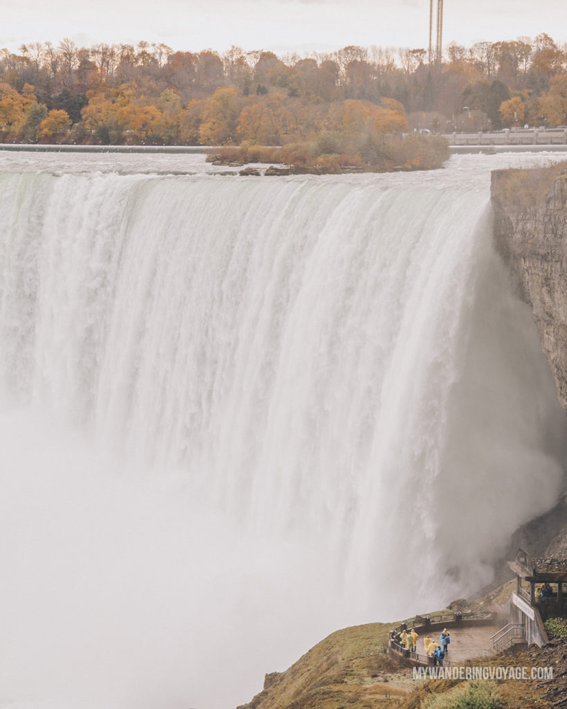 Niagara Falls, Ontario | Are you an explorer? A foodie? Or how about a beach bum? There's something for everyone in this list of fantastic day trips from Toronto | My Wandering Voyage travel blog #toronto #ontario #canada #ontariotravel #travel