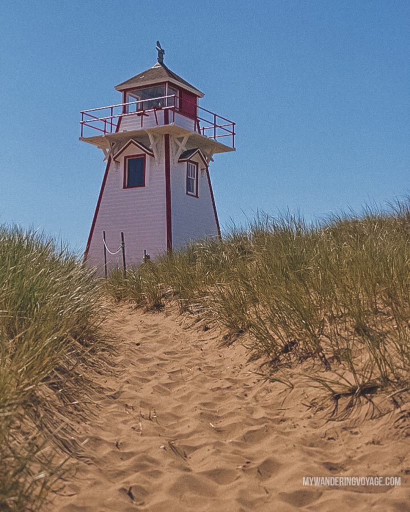 PEI Lighthouse Canada | With the powerful device in your pocket you can take incredible photos of your travels. Here is the ultimate guide to smartphone travel photography. | My Wandering Voyage travel blog #travel #photography #tips #travelphotography #smartphonephotography