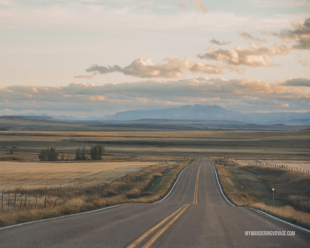 Road trip as dusk | When road trip season hits, don't be caught unprepared. Make sure you have everything you need with this road trip packing list for a successful and enjoyable trip | My Wandering Voyage travel blog #travel #roadtrip #packing #USA #Canada