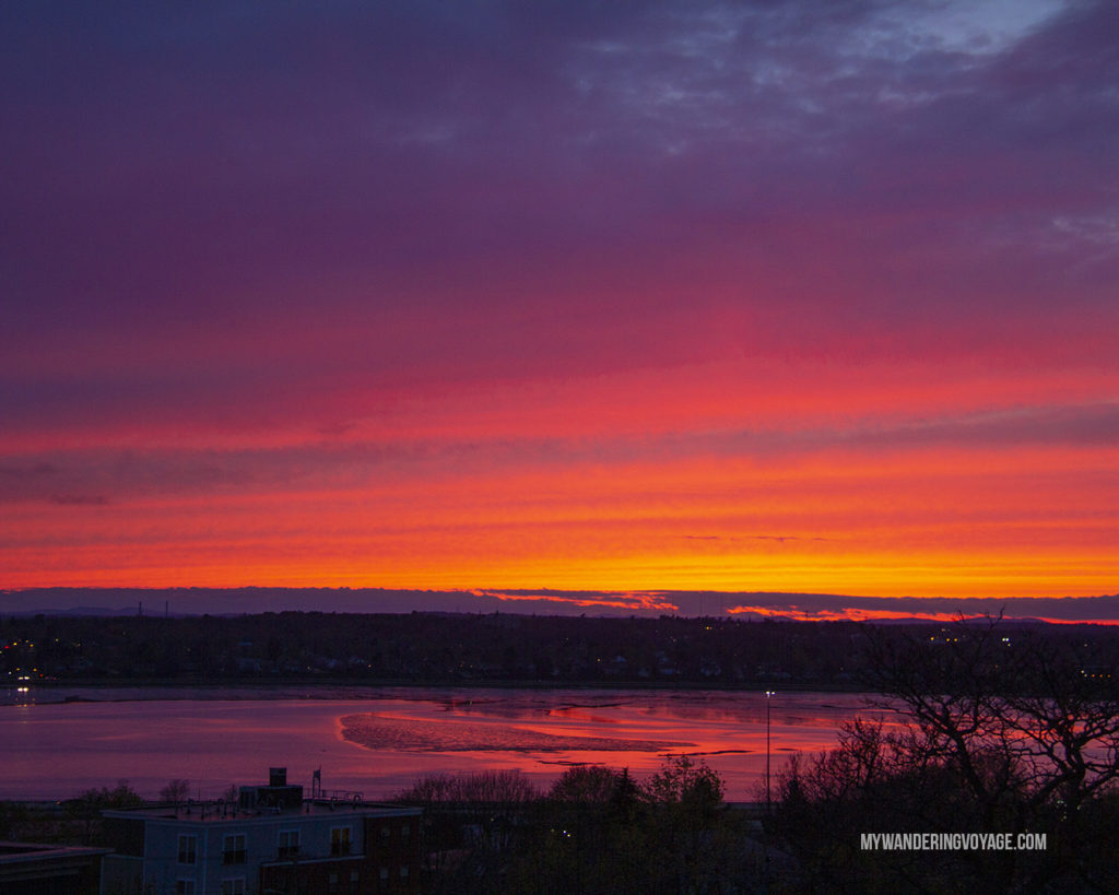 Sunset from Sumner Park Portland Maine | Grab your best gal pals or significant other for the ultimate weekend getaway in Portland, Maine. Find where to stay, what to eat and things to do in this guide to Portland, Maine. | My Wandering Voyage travel blog #Portland #Maine #USA #travel