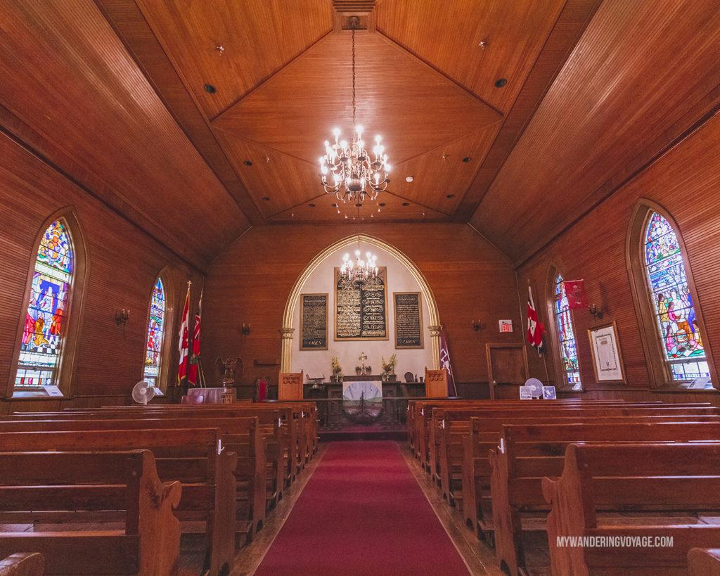 Mohawk Chapel inside