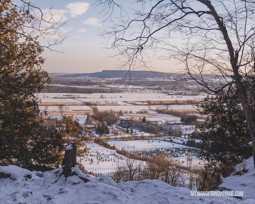 Rattlesnake Point overlook | Hiking the Bruce Trail: 14 side trails to explore | My Wandering Voyage travel blog